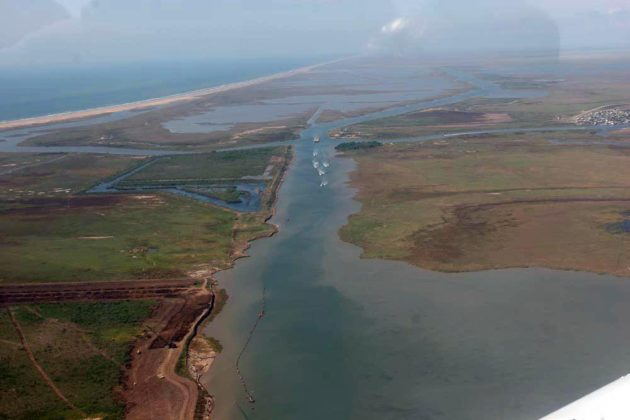 """The Amazing 3,000 Mile """"Intercoastal"""" Waterway That Connects Virginia to Texas"""